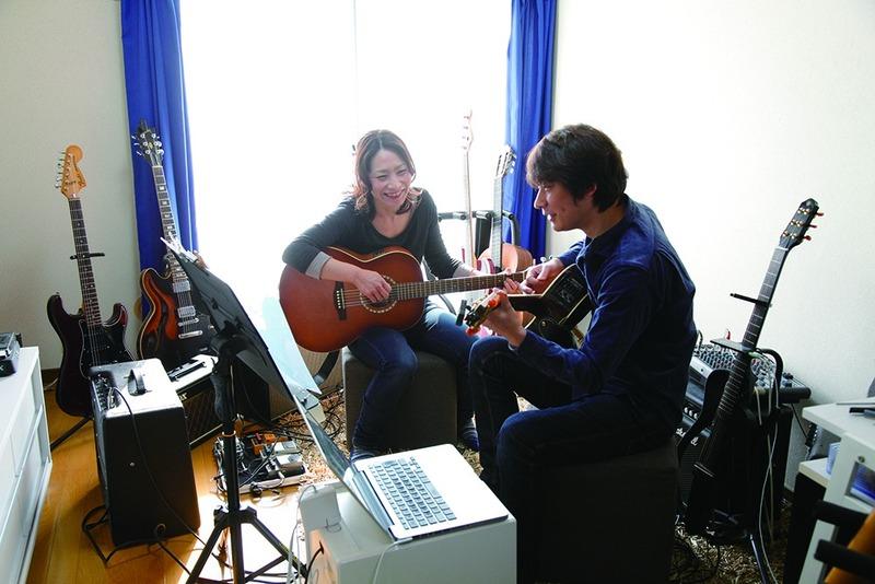 音楽を楽しく学べるギターレッスンのプロ