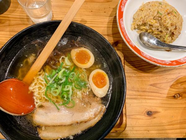 『煮卵醤油らーめん』(740円)