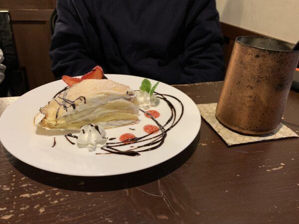 本日のケーキセット(あまおうミルクレープ )1,000円